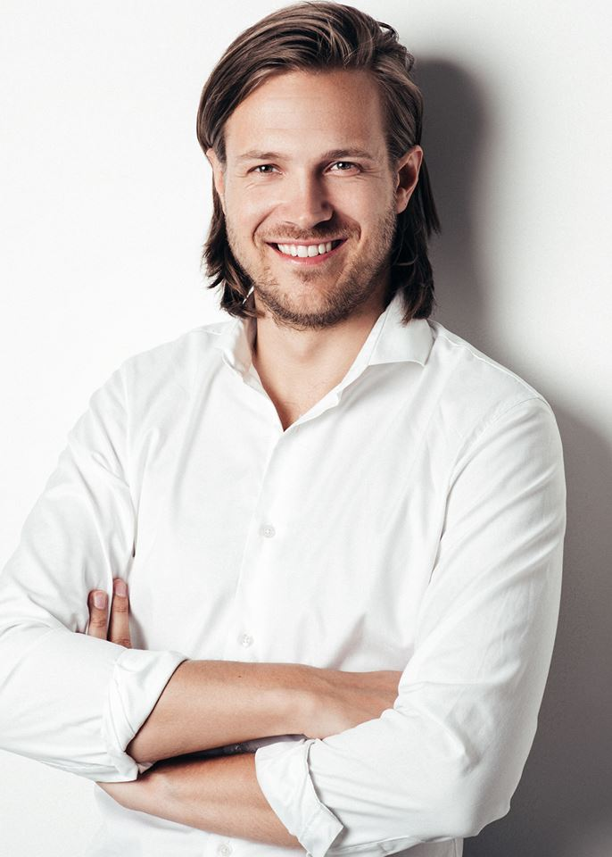 Emil Dyrvig working at Dropbox